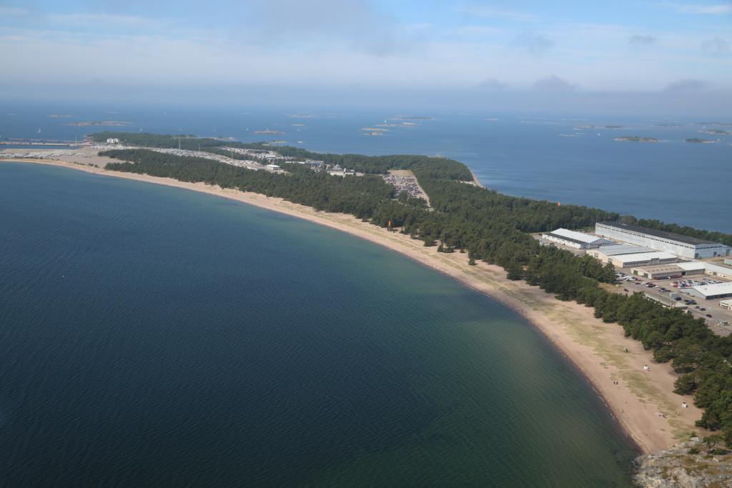 Ilmakuva Tulliniemen rannasta Hangossa.