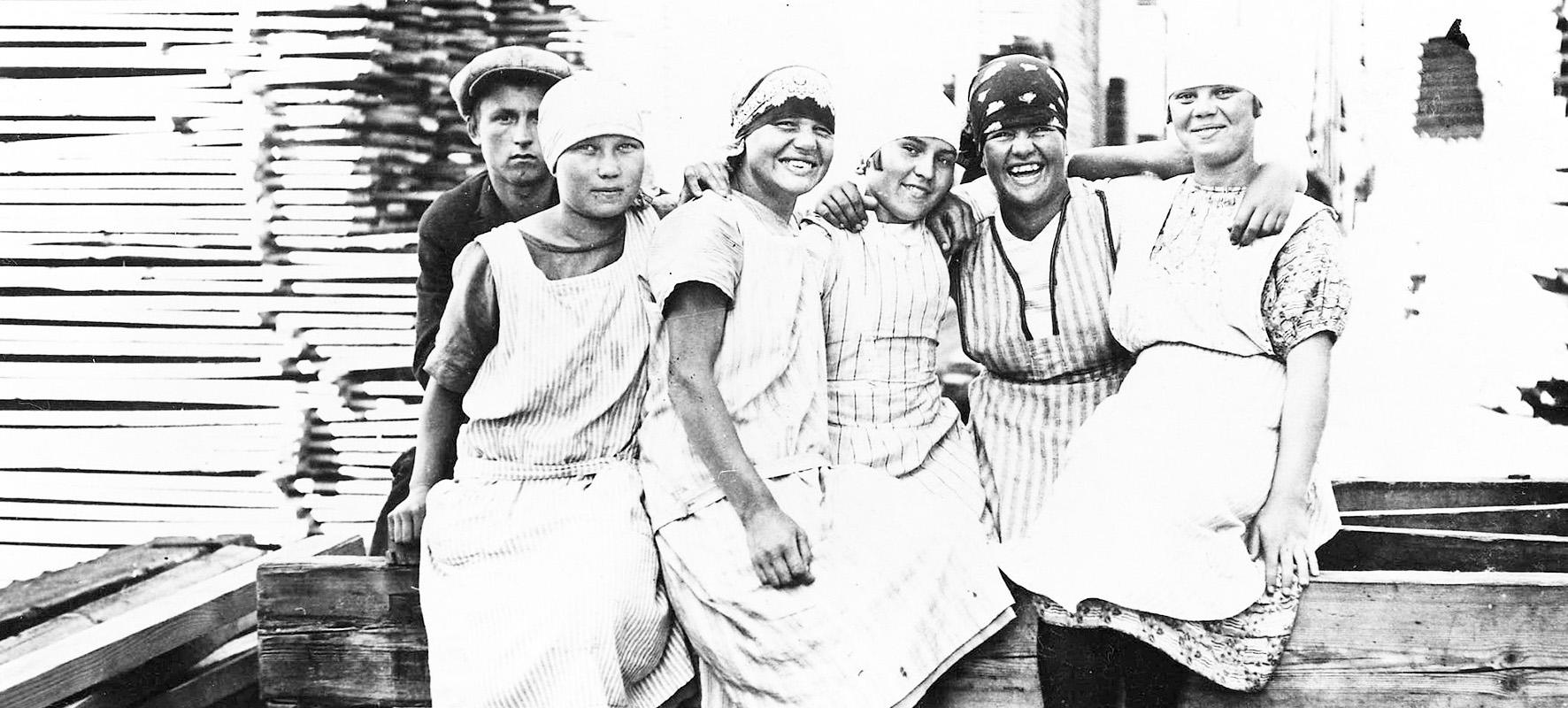Kotkan historiaa työläisnaisia